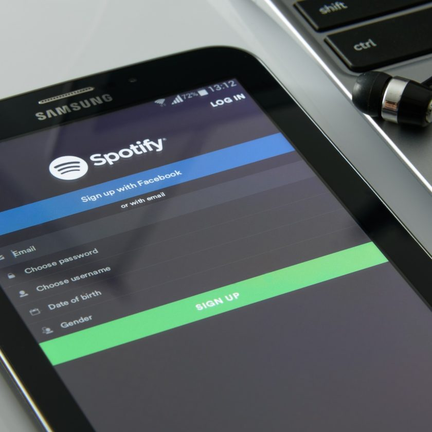 spotify-phone-streaming