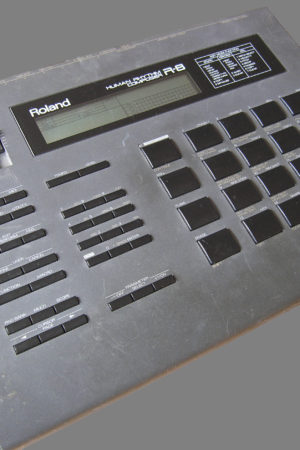 Roland_R-8_human_rhythm_composer